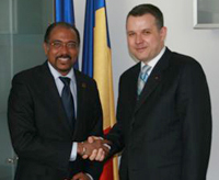 Director Michel Sidibé (left) met with Mr Ion Bazac